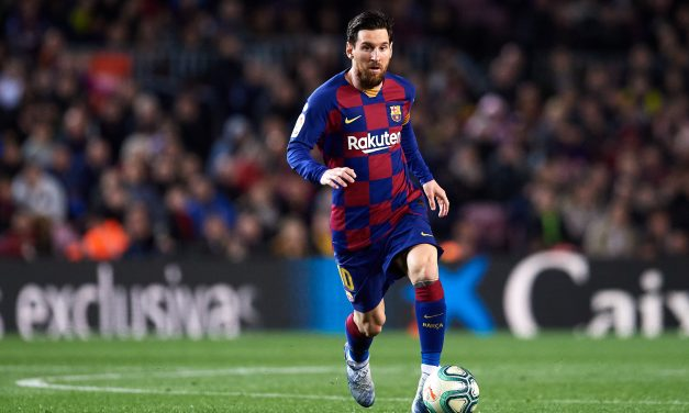 Lionel Messi hits out at Barcelona board