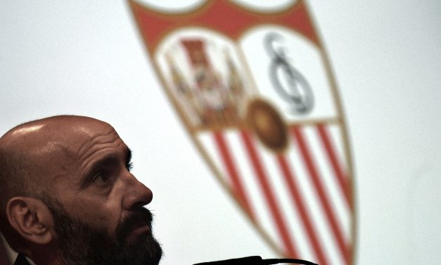"""Monchi defends Sevilla players after breaking social distancing rules: """"They have publicly apologised, which is not easy."""""""