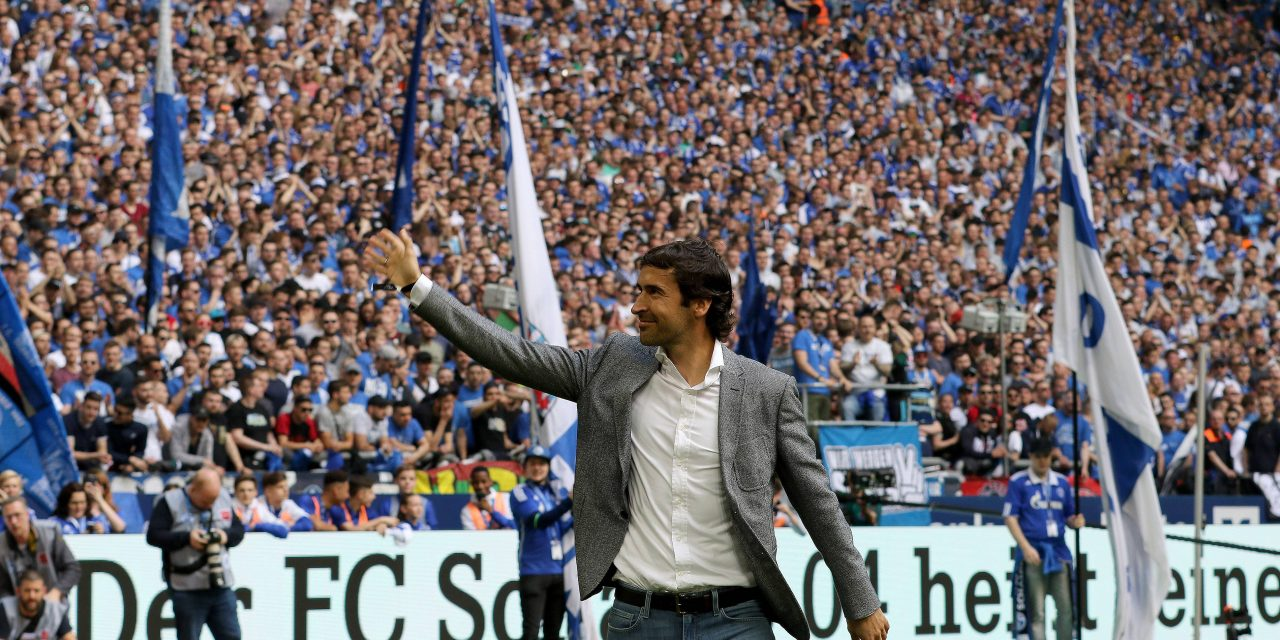 Schalke consider former player Raúl as future head coach