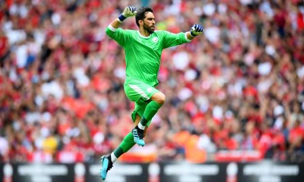 Official | Real Betis sign Claudio Bravo from Manchester City