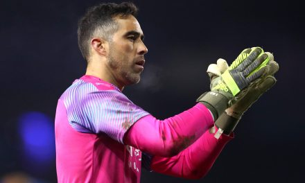 Manchester City goalkeeper Claudio Bravo set to join Real Betis