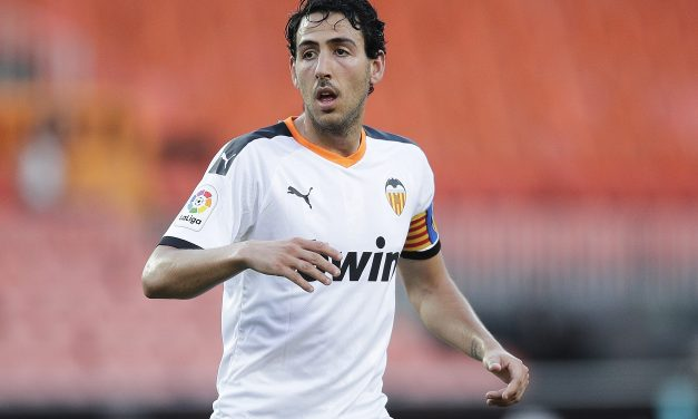 Valencia captain Dani Parejo in talks with Villarreal